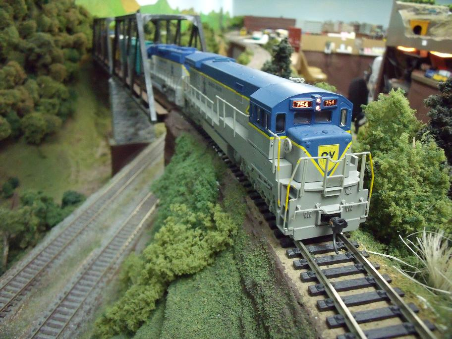 A Quaker Valley loco climbing from Quaker Junction